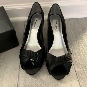 Nina peep toe evening shoes new, size 9.5